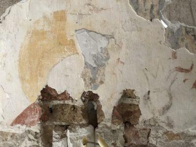 Schildering ontdekt in de kapel